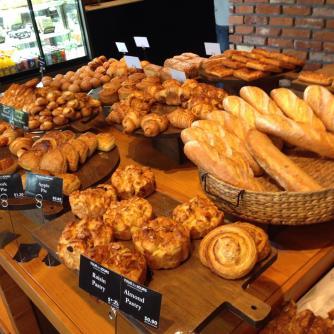 Freshly baked bread <3